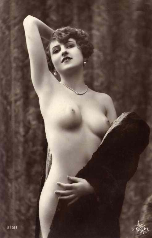 http://www.courios.at/Aktbig/vintageFranzPk-12.jpg