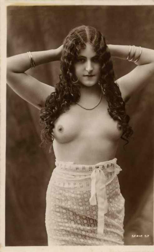 http://www.courios.at/Aktbig/vintageFranzPk-14.jpg