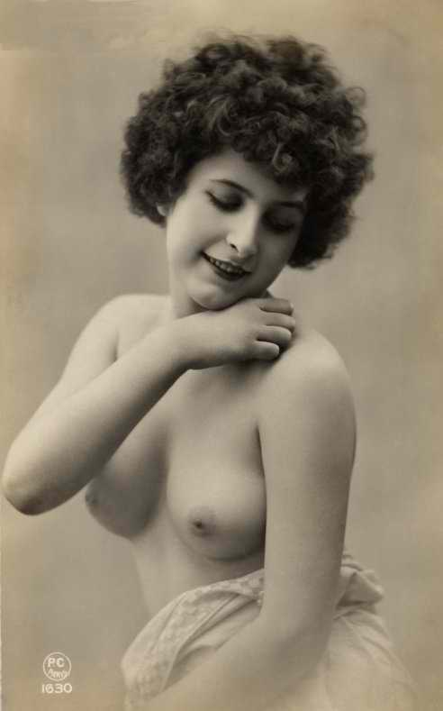 http://www.courios.at/Aktbig/vintageFranzPk-19.jpg