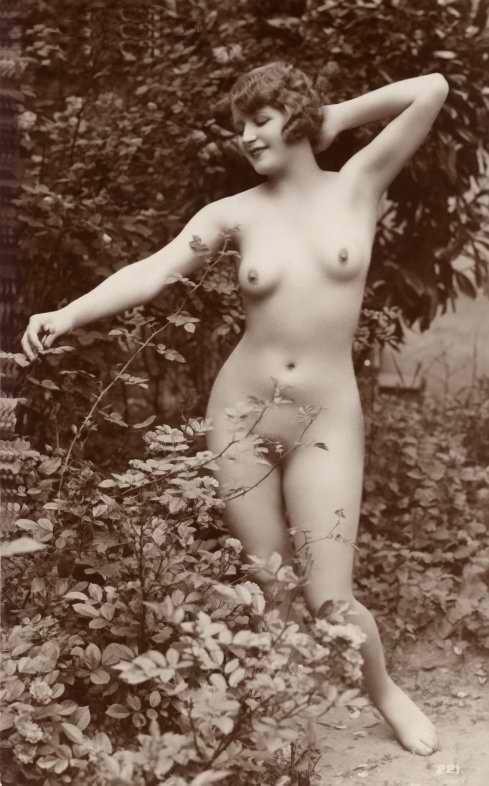 http://www.courios.at/Aktbig/vintageFranzPk-27.jpg