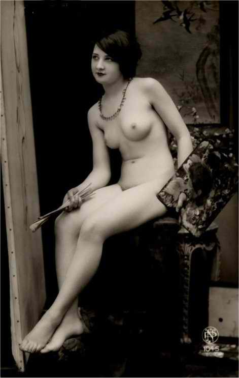 http://www.courios.at/Aktbig/vintageFranzPk-37.jpg